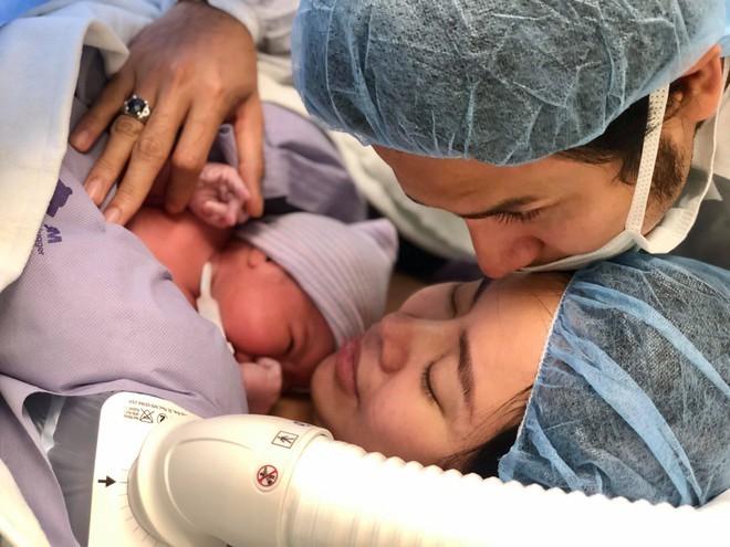 Diễn viên 'Gạo nếp gạo tẻ' sinh con gái đầu lòng ở Mỹ