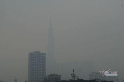 Sương mù kín đặc 'vây' Sài Gòn, báo động ô nhiễm ở mức nguy hiểm