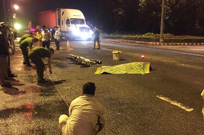 Vượt đèn đỏ, nam sinh bị xe container tông tử vong ở Đà Nẵng