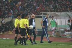 Thua tuyển Việt Nam, HLV UAE đổ lỗi cho trọng tài