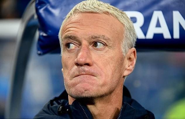 Giroud hóa người hùng, Pháp đoạt vé dự EURO 2020