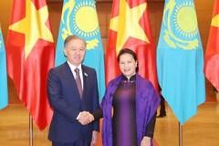 Vietnamese, Kazakhstani top legislators hold talks in Hanoi