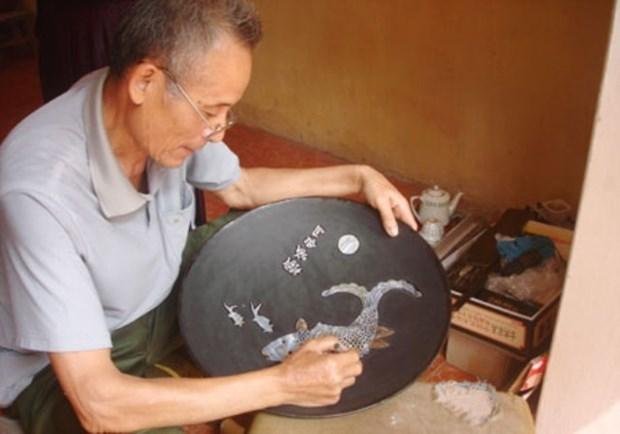 Chuyen My commune,Van Tu commune,mother of pearl inlaid products,administration of Hanoi,Bat Trang ceramics village,Van Phuc silk village