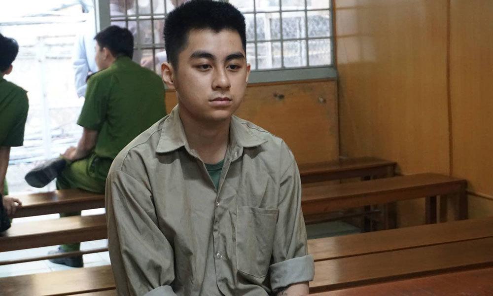 Nam thanh niên 18 tuổi táo tợn cướp taxi ở Sài Gòn