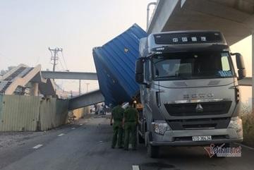 Số phận cầu bộ hành bị xe container kéo sập ở Sài Gòn