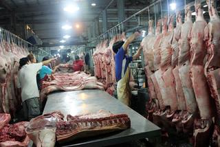 Chủ hàng thịt viêm màng não vì dính liên cầu khuẩn lợn
