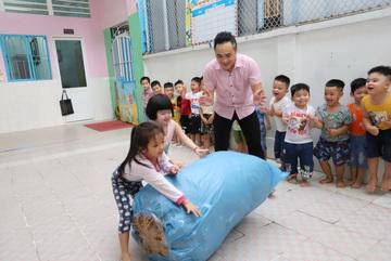 Male pre-school teacher battles stigma