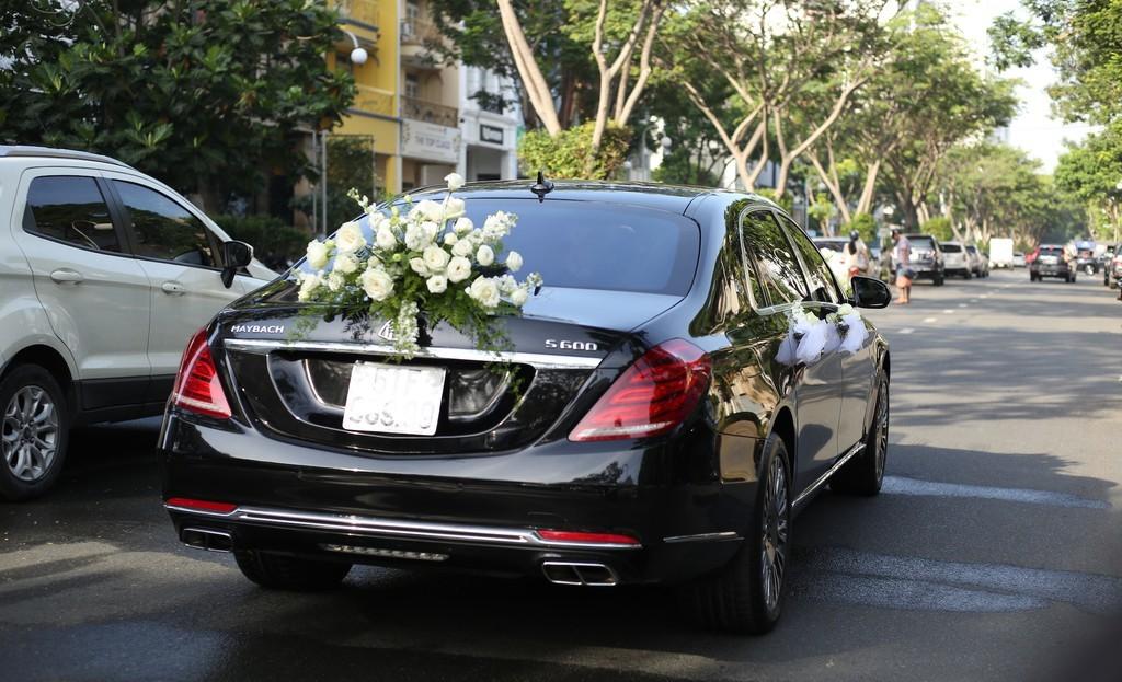 'Soi' Mercedes-Maybach S600 14 tỷ đồng của chồng ca sĩ Bảo Thy
