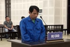 Bị nhắc mang nhầm dép, gã trai đâm 2 người suýt chết ở Đà Nẵng