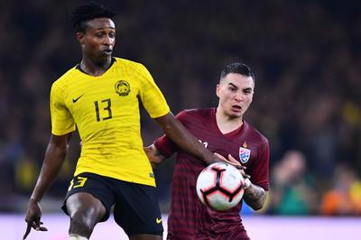 Thái Lan lộ điểm yếu, căng thẳng đấu tuyển Việt Nam