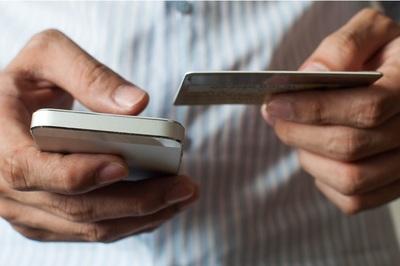 Đối phó mã độc và tội phạm mạng, tránh bị mất tiền khi dùng smartphone