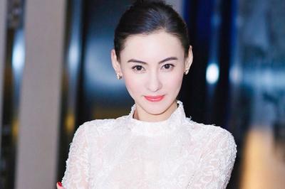Trương Bá Chi sống cùng chồng đại gia sau sinh con