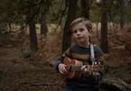 Cậu bé 8 tuổi gây chú ý khi sáng tác bài hát về môi trường