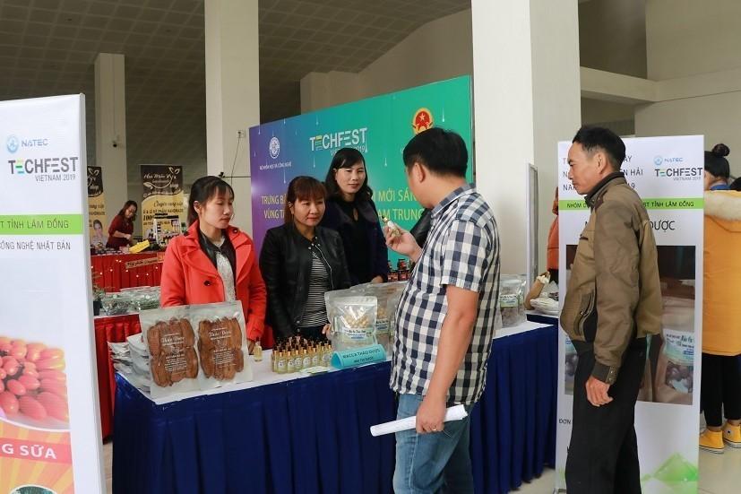 Làng công nghệ nền tảng ở ngày hội khởi nghiệp đổi mới sáng tạo quốc gia