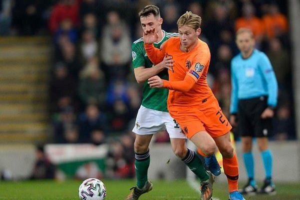 Thoát thua Bắc Ireland, Hà Lan đoạt vé dự EURO 2020