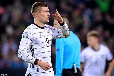Toni Kroos lập cú đúp, Đức chính thức giành vé dự EURO 2020