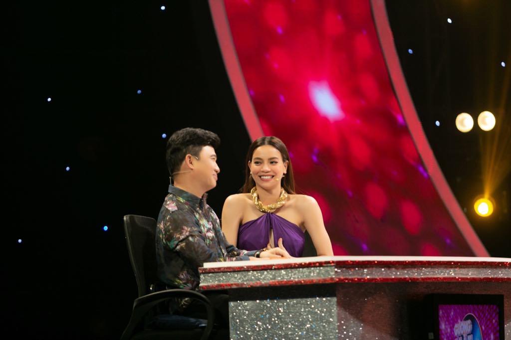 Quang Linh, Hà Hồ phấn khích hò hét cùng bản sao Minh Tuyết