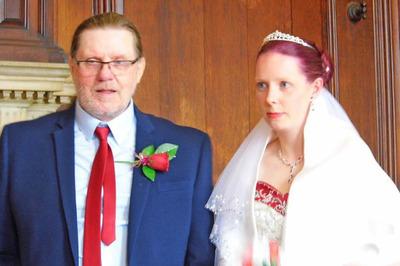 Cô gái đính hôn với ông lão hơn mình 40 tuổi sau 1 tháng hẹn hò