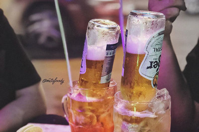 Loạt thức uống úp ngược thu hút giới trẻ TP.HCM
