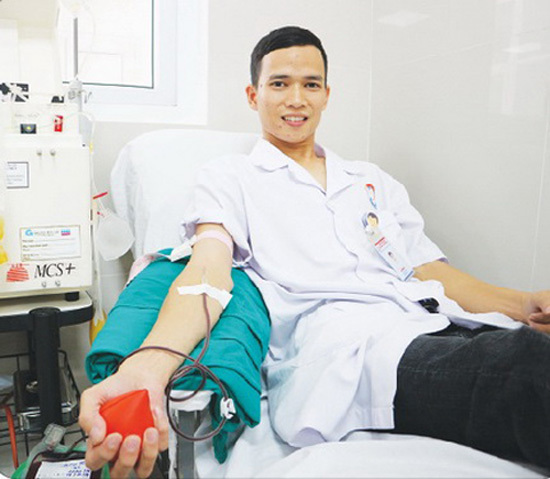 Health technician dedicated to giving blood
