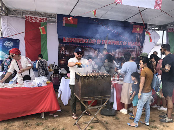 HIWC bazaar brings funs for a cause