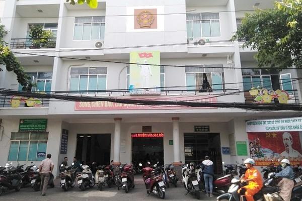 Cán bộ một cửa hạch sách dân đến công chứng ở Đà Nẵng bị xử lý