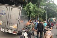 Trộm xe tải, thanh niên tháo chạy tông cả loạt xe trên phố Sài Gòn