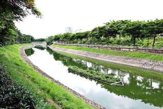 Hanoi to use Red River's water to clean To Lich River