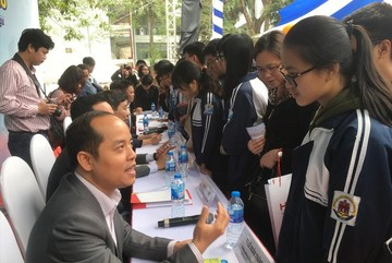 How much money do elite schools in Vietnam need to produce talented students?
