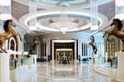 Khách sạn dát vàng từng giam giữ 200 hoàng tử, tỷ phú