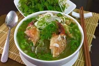 Vietnamese food: Red noodle crab soup