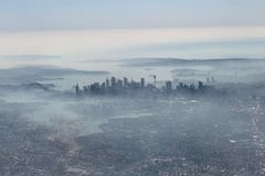 Australia fires: Sydney blanketed by smoke from NSW bushfires