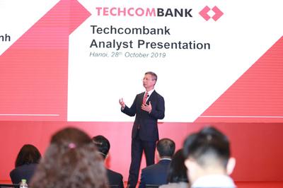 Vì sao Techcombank đứng đầu toàn ngành về hiệu quả hoạt động?