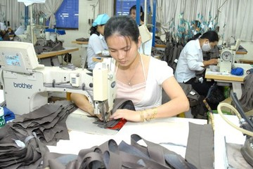Garment, textile industry gradually loses its advantages