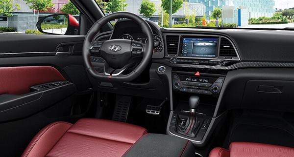 Hyundai Elantra 2019: Đẳng cấp sang trọng