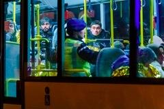 Phát hiện 25 người trốn trong công-ten-nơ trên phà tới Anh