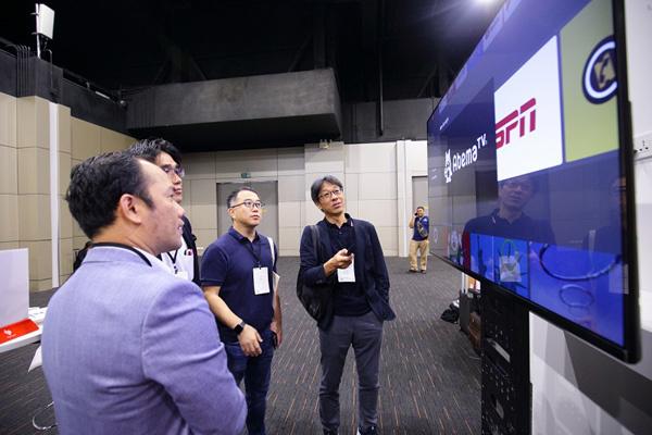 VinSmart 'bắt tay' ông lớn Google ra mắt ti vi thông minh