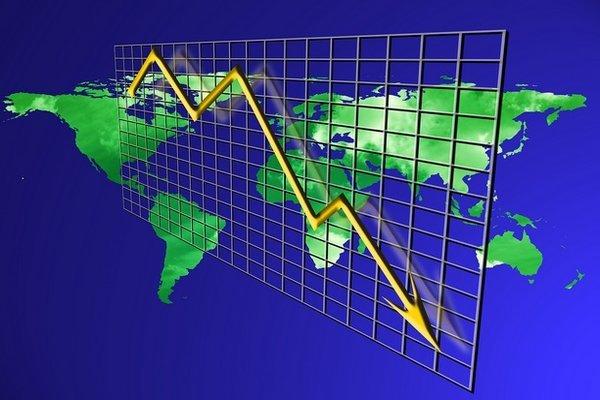 'Dính đòn' thương chiến Mỹ-Trung, nợ toàn cầu tăng vùn vụt
