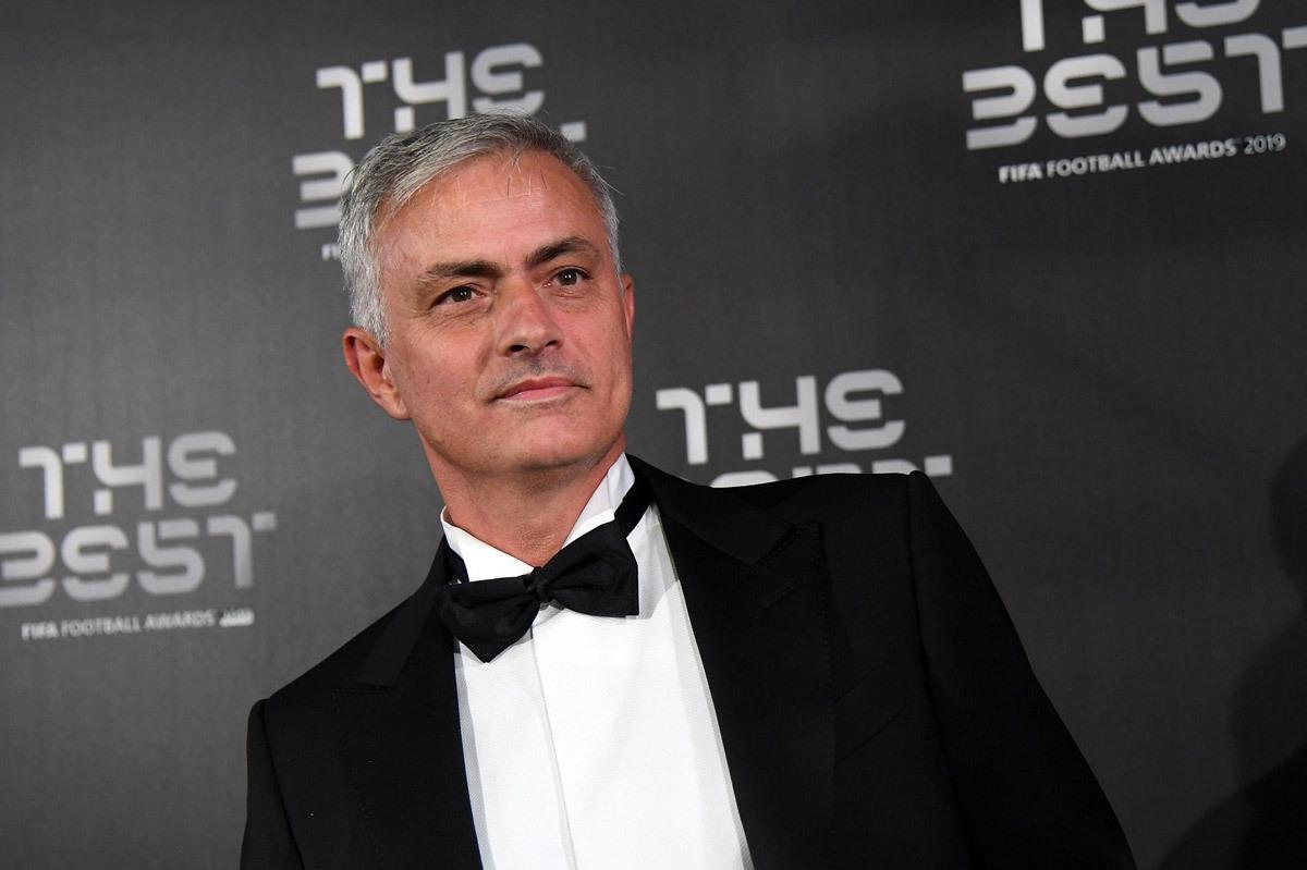 Mourinho chính thức tái xuất, dẫn dắt Tottenham