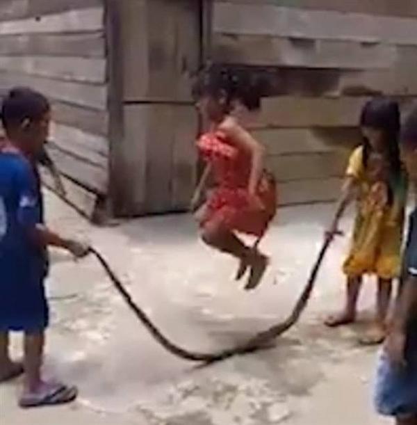 Let's skip-snake!