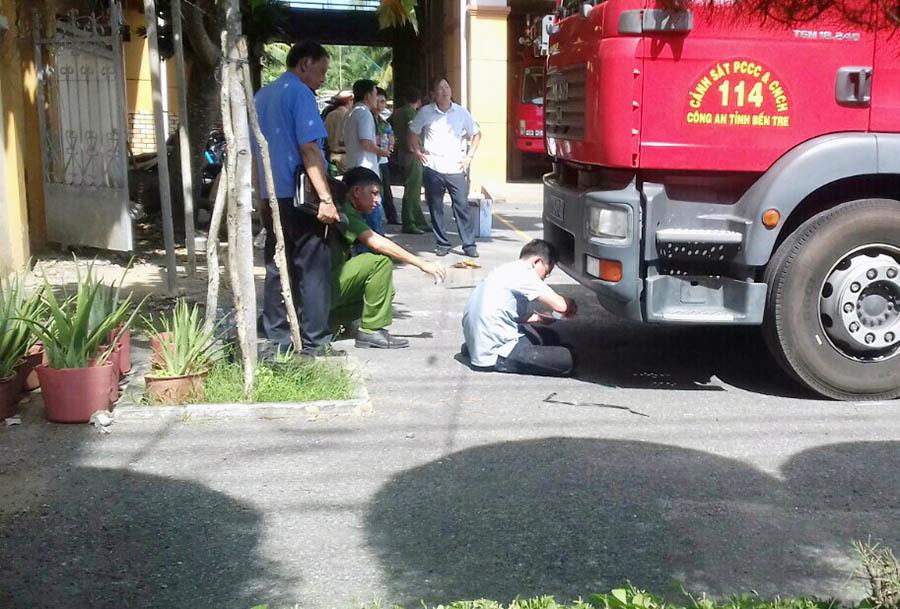 Đi thăm cô giáo cũ về, nữ sinh lớp 11 bị xe cứu hỏa cán tử vong