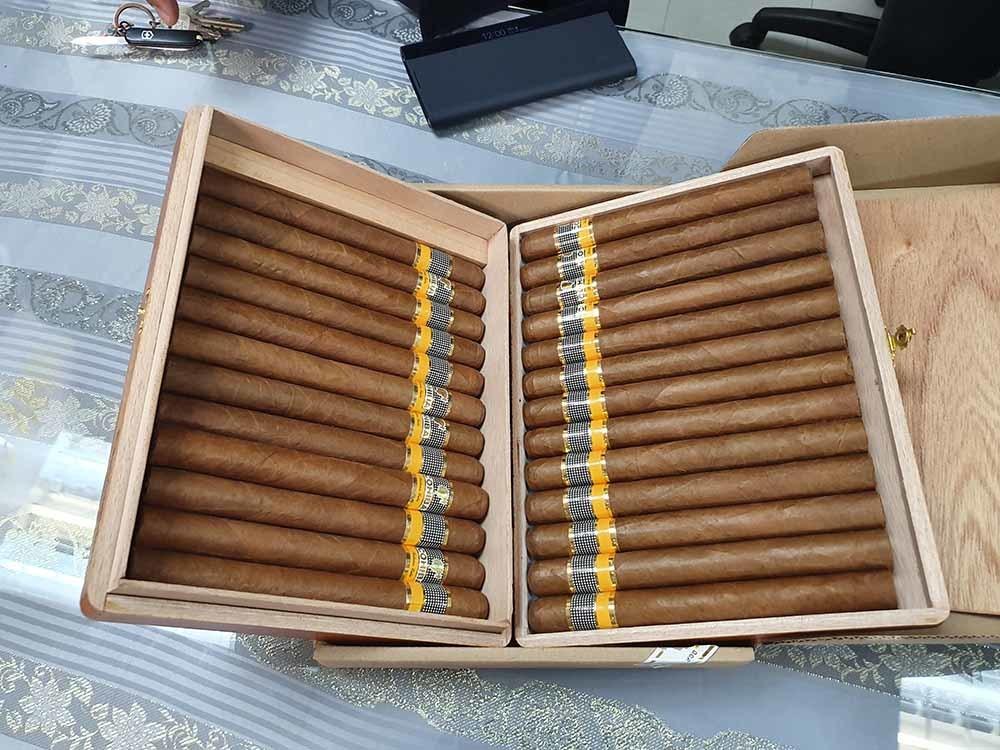 Hải quan Tân Sơn Nhất bóc phốt 3 valy xì gà Cuba nhập lậu