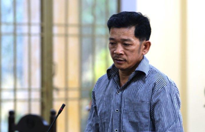 Gã chồng đâm chết vợ trong lúc làm gà giỗ mẹ lãnh án chung thân