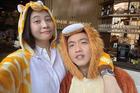 Cường Đô La hóa trang thú bông mừng sinh nhật Đàm Thu Trang