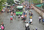 HCM City struggles to deal with floods