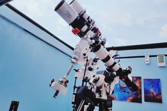 Young engineer sets up observatory to capture the stars