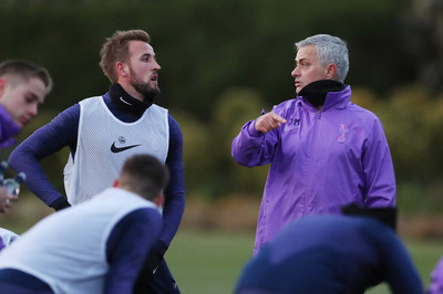 Mourinho vừa trở lại, mượn MU nói hay như hát