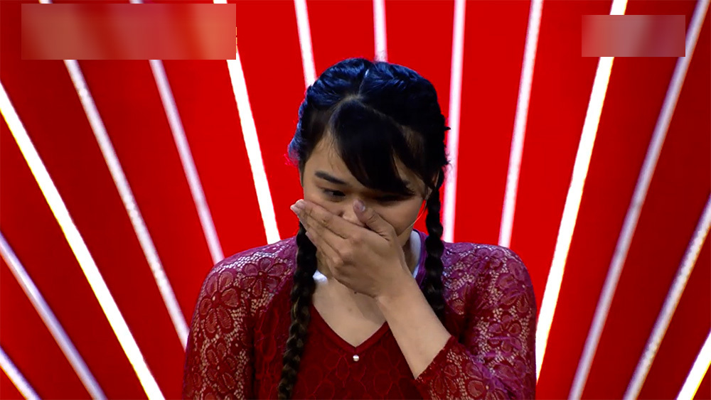 Cô gái mất 9 chiếc răng, bị u nang thắng 100 triệu ở Thách thức danh hài