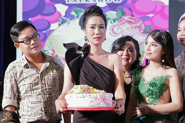 Sao Việt nô nức chúc mừng ngày Nhà giáo Việt Nam