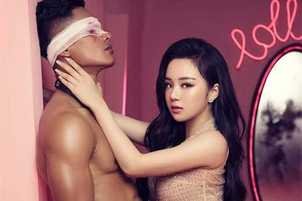 MV dung tục của 'Hot girl ngủ gật' bị gỡ khỏi YouTube